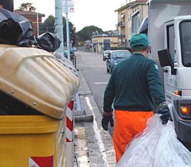 raccolta-rifiuti-1-640x560
